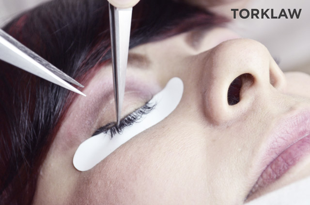 salon injuries - lash extensions